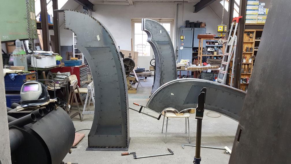 Stelen für ein Urnengrab